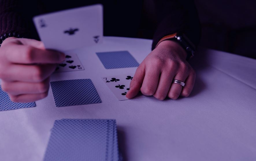 Engage Yourself With These Different Types Of Online Betting Games